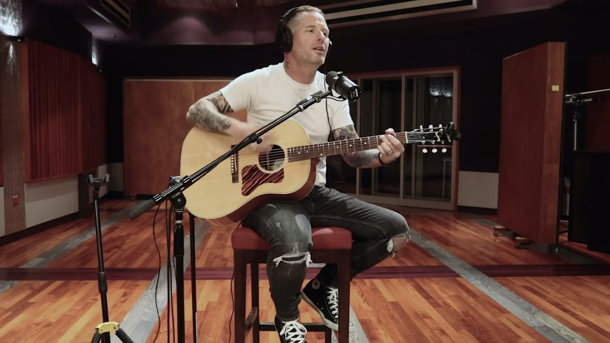 Watch Corey Taylor Cover Elvis Costello's (What's So Funny 'Bout) Peace, Love And Understanding — Kerrang!