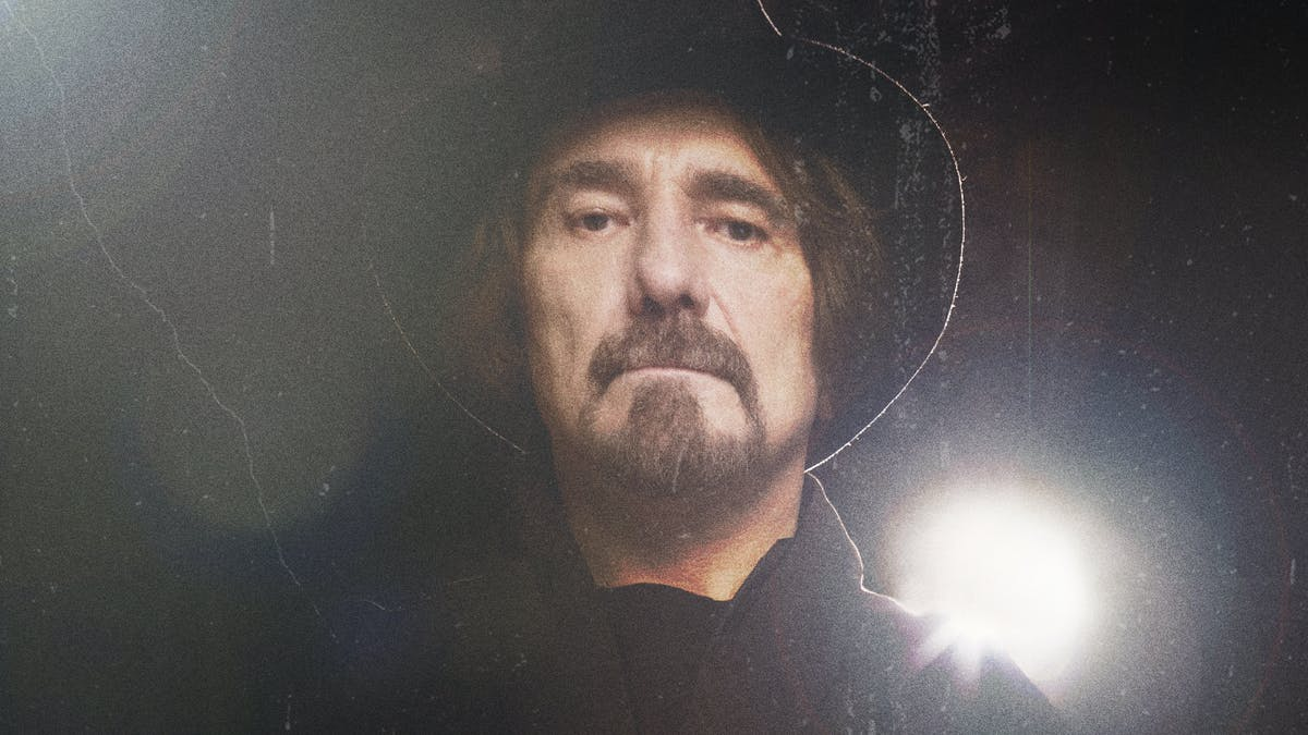 "Geezer Butler: ""Heavy Metal Keeps You Young… I Still Feel Like I'm 25!"""