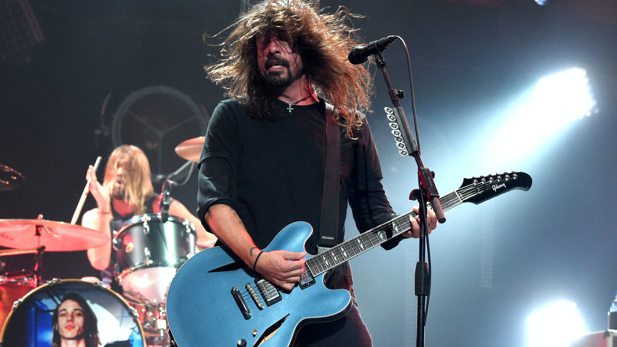Watch Dave Grohl, Metallica And More Perform At Chris Cornell Tribute Concert