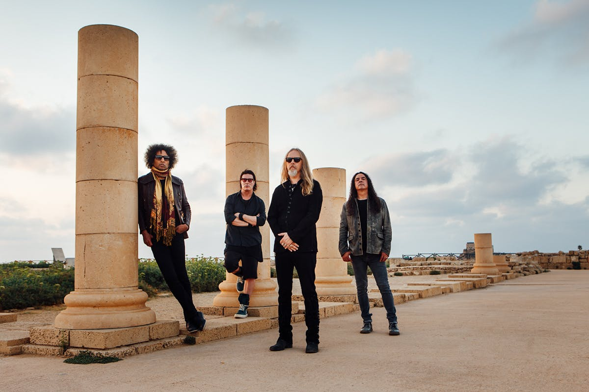 Alice In Chains Address The Ghosts Of Their Past And Plot A Glorious Future