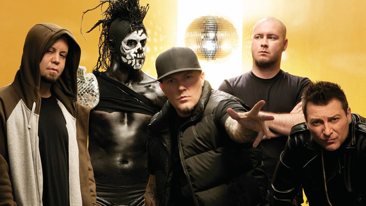 "Wes Borland On A New Limp Bizkit Album: ""I Don't Think It's Going To Get Finished Anytime Soon"""