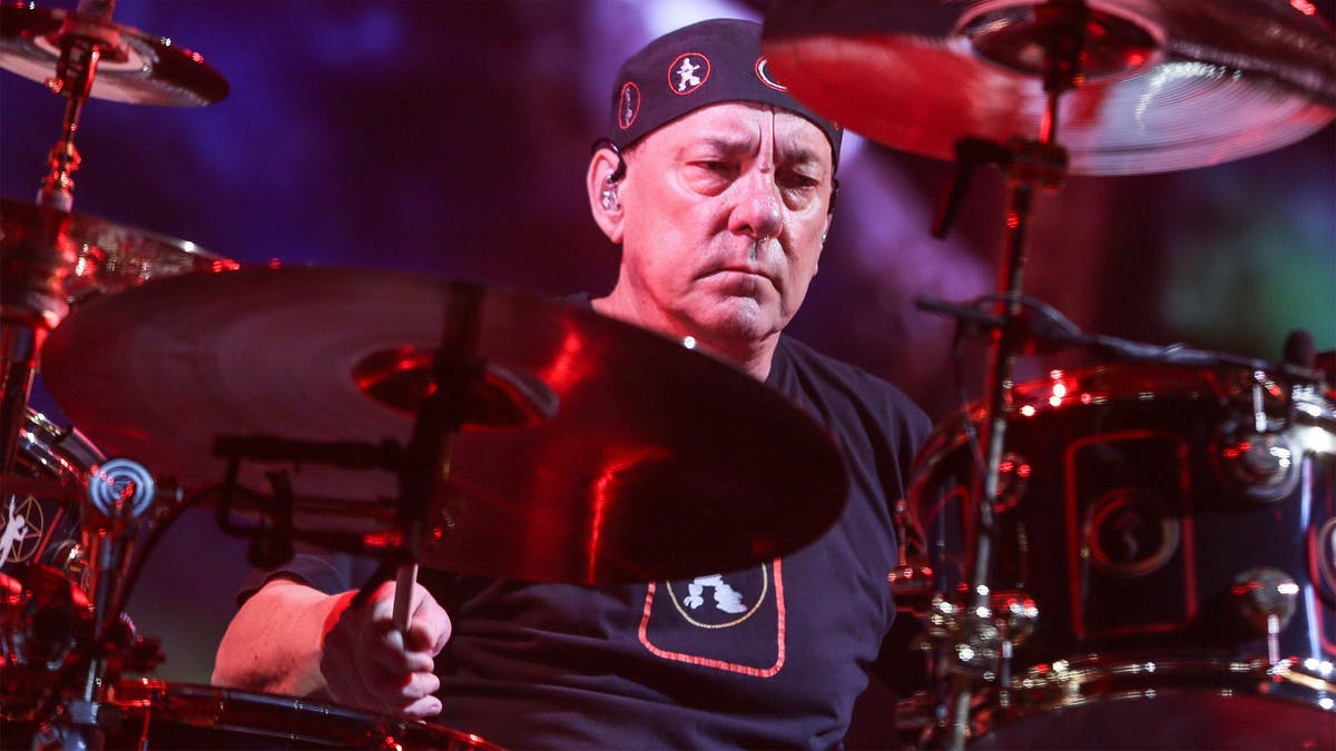 The Rock World Reacts To The Death Of Neil Peart