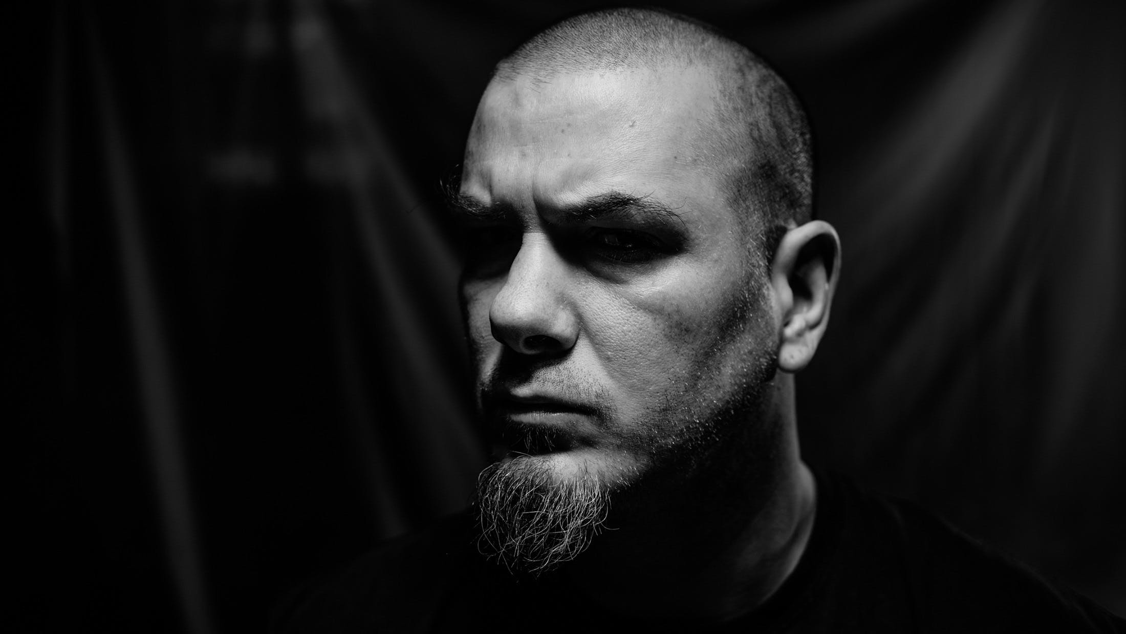 "Phil Anselmo: ""I Am Reckless, I Am Absurd, And I Am All Over The Place – On Purpose"""