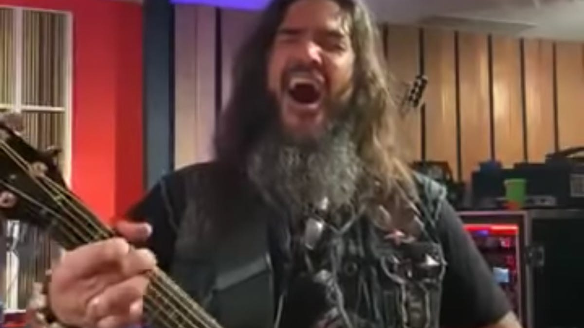 Watch Robb Flynn Perform Acoustic Covers Of Slipknot, Deftones, SOAD And More — Kerrang!