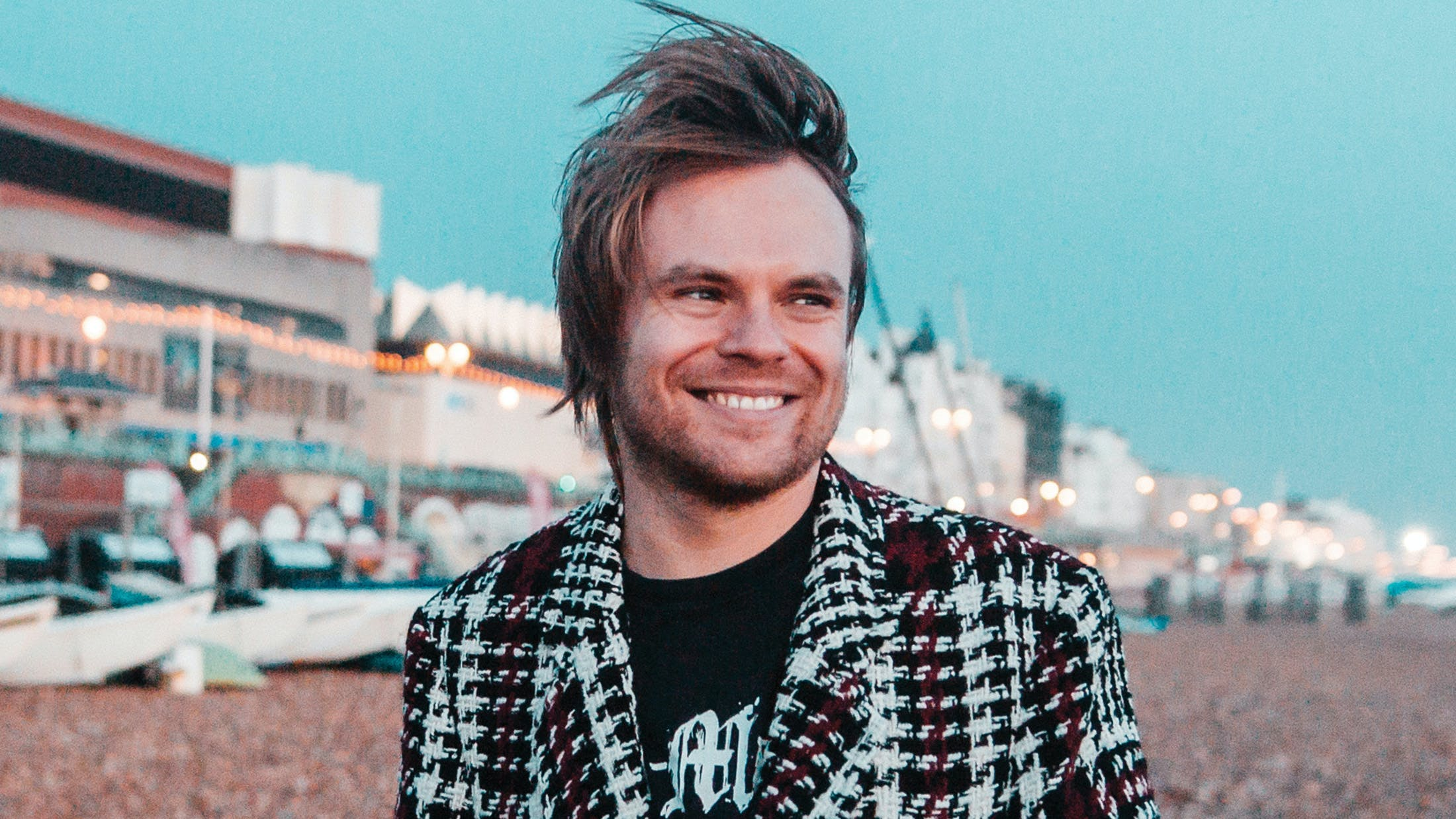Do You Want To Come To Kerrang!'s In Conversation With Rou Reynolds?