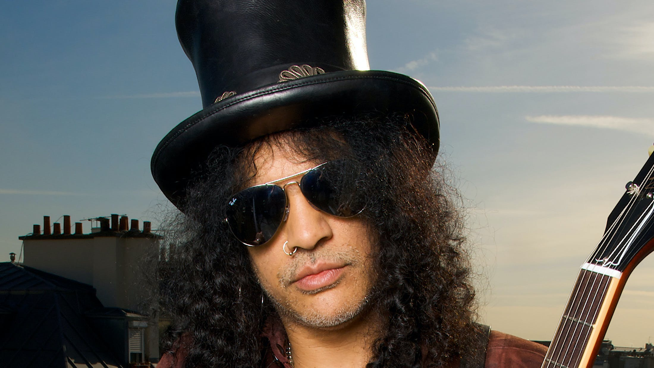 "Slash: ""Guns N' Roses Were A Gang That Walked Into A Room Like, 'You Don't Want To F*ck With Us'"""