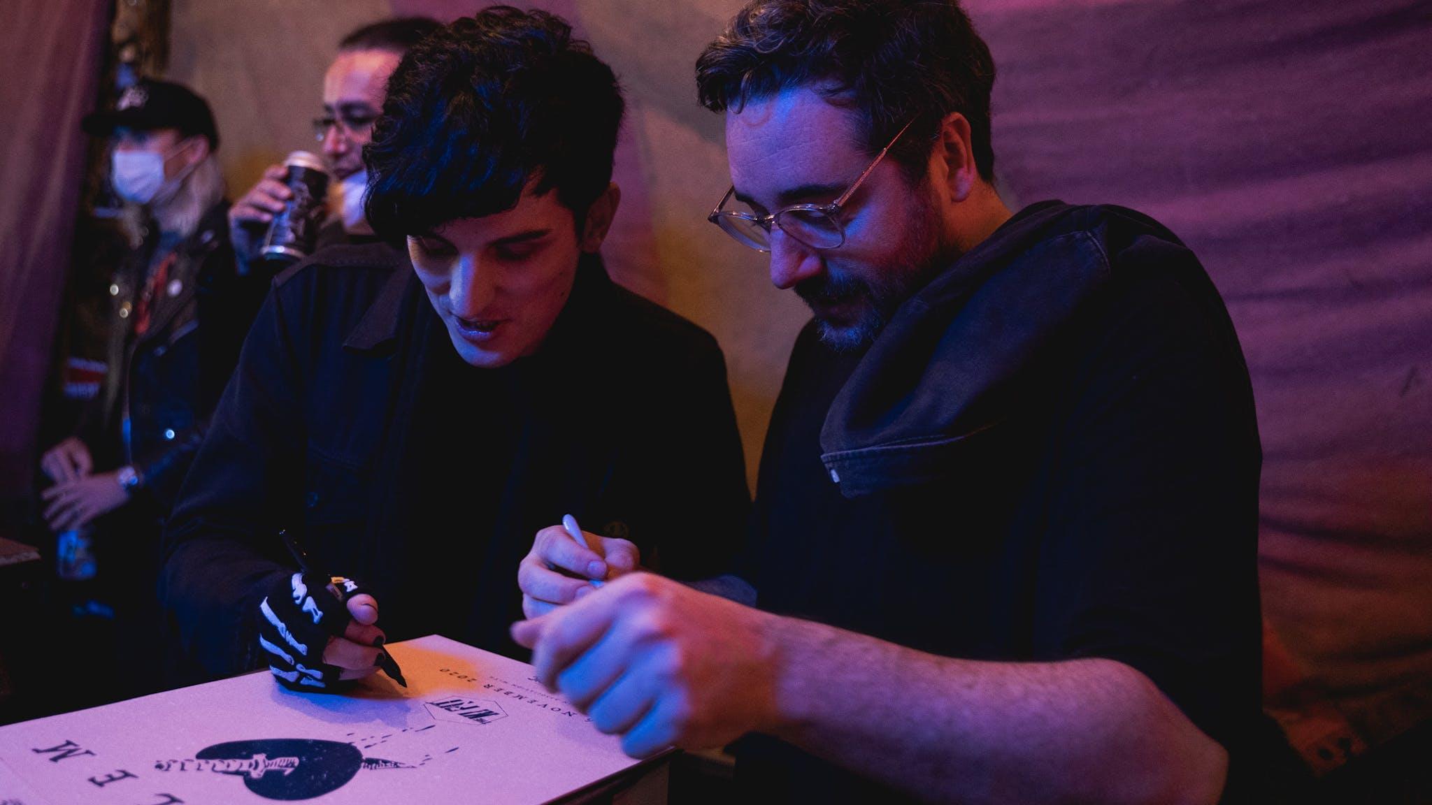 Salem Signing K Pit Credit Esme Surfleet