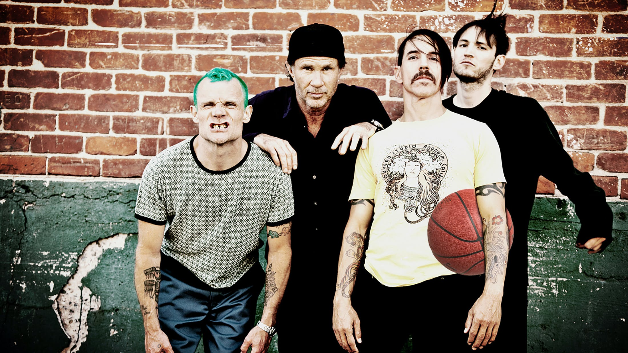 236dde89091 See Red Hot Chili Peppers' Vocalist Get Kicked Out Of A Basketball Game —  Kerrang!