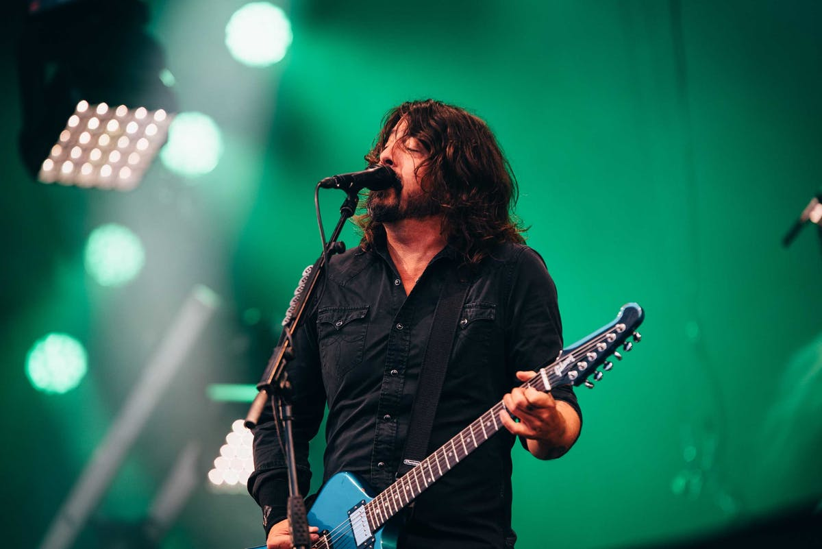 Foo Fighters Cover The Psychedelic Furs And B-52s On New EP